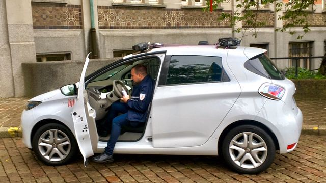 La voiture électrique est équipée de quatre caméras.