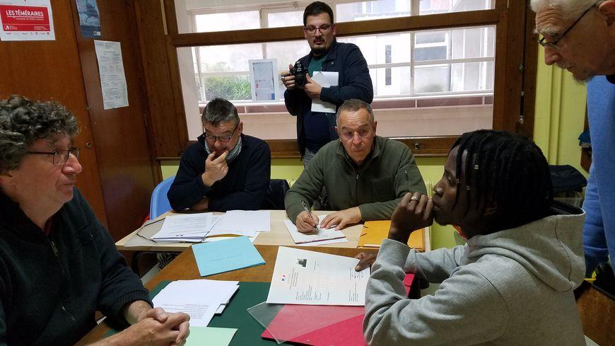 """""""Je suis prêt à tout pour travailler"""", explique Alseny Billy Keita, originaire de Guinée, """"j'ai déjà déposé des CV dans toutes les boîtes d'intérim""""."""