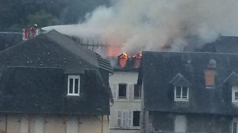 Le feu était assez impressionnant au lever du jour
