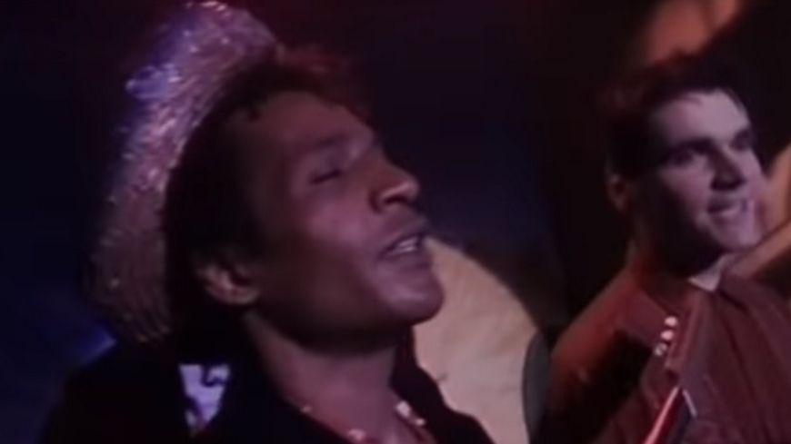 """José Tamarin dans le clip """"Tchiki Boum"""" de Niagara."""