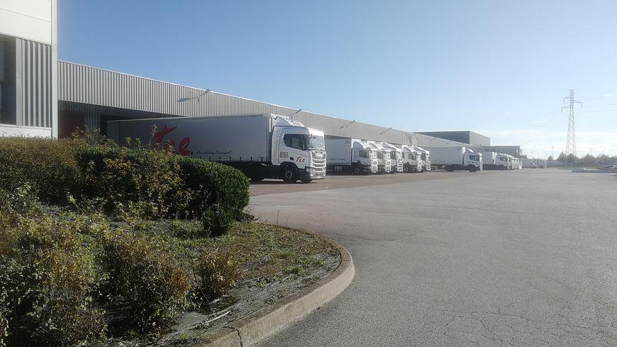 Les camions de l'entreprise Trans Europ Express à Gevrey Chambertin