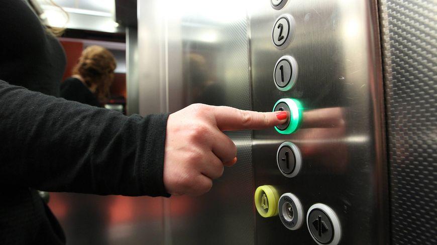 Un enfant autiste de 6 ans meurt dans un tragique accident dans un ascenseur