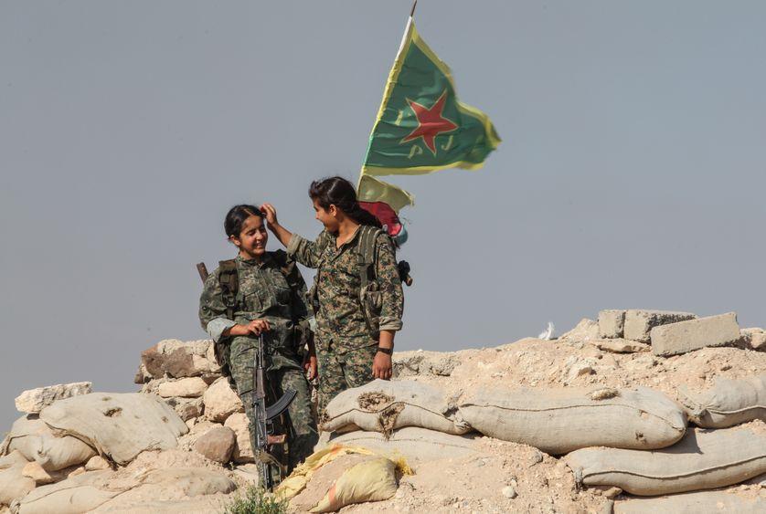 Combattantes kurdes à Kobane, dans le nord de la Syrie, le 20 juin 2015