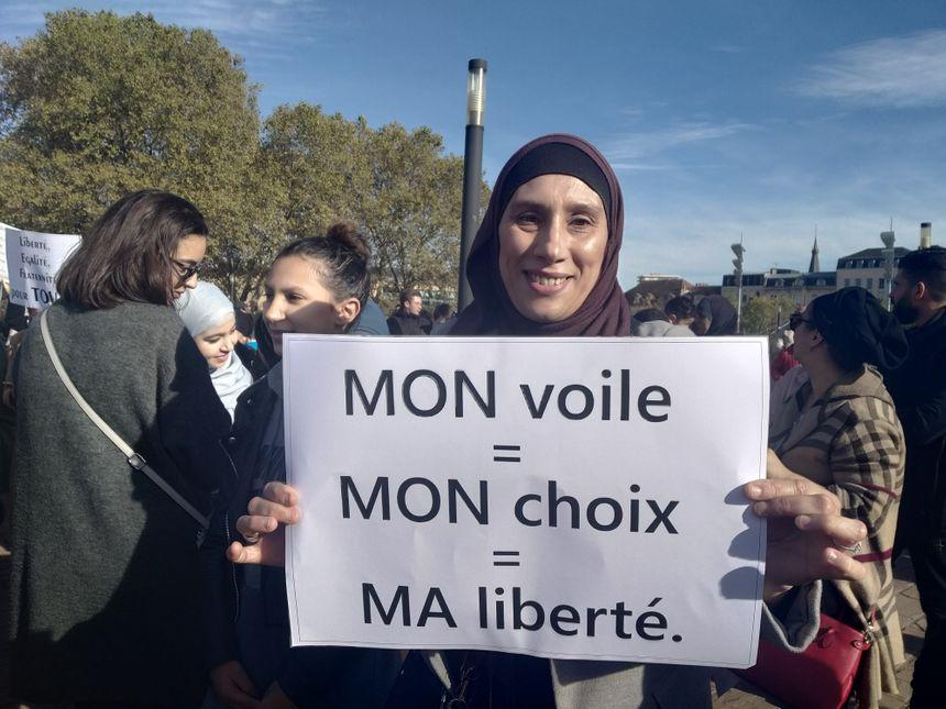 """""""Mon voile, mon choix, ma liberté"""""""