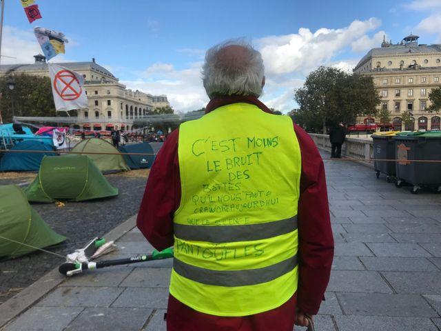 Gérard, 72 ans, dirige une société financière en Bretagne.
