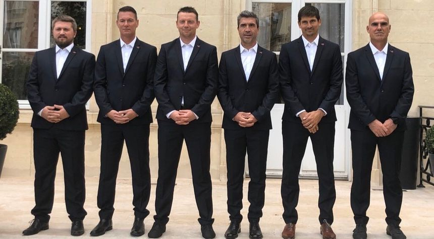 Le staff (de gauche à droite) : Quentin Hecquet (analyste), Sébastien Hamel (ent. Gardiens), Stéphane Dumont (Adjoint), David Guion, Laurent Bessière (Pole performance), Christophe Raymond (adjoint).