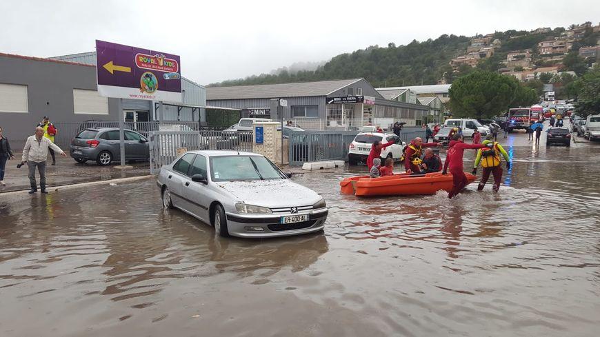 Les opérations de sauvetage à Carnoux