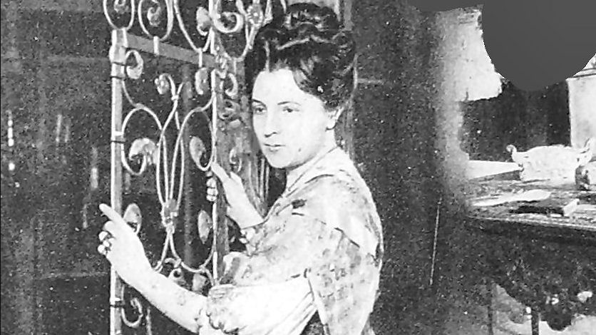Jeanne de Flandreysy donne son nom au tramway. L'aristocrate avait installé la culture provençale au Palais du Roure