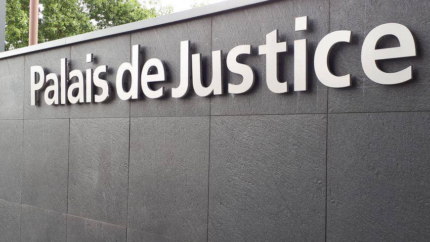 Ce maçon portugais de 44 ans a été condamné à 4000 euros d'amende.