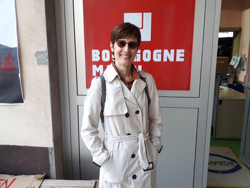 "Sylvie une employée du journal ""Bourgogne Matin"""
