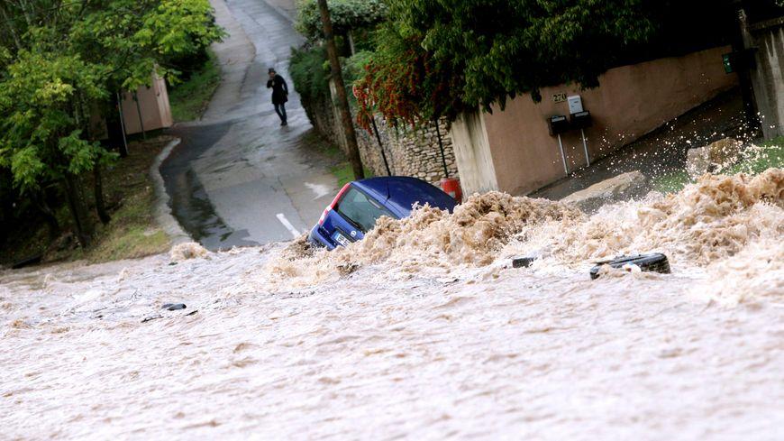 Des pluies torrentielles à Nîmes en octobre 2014