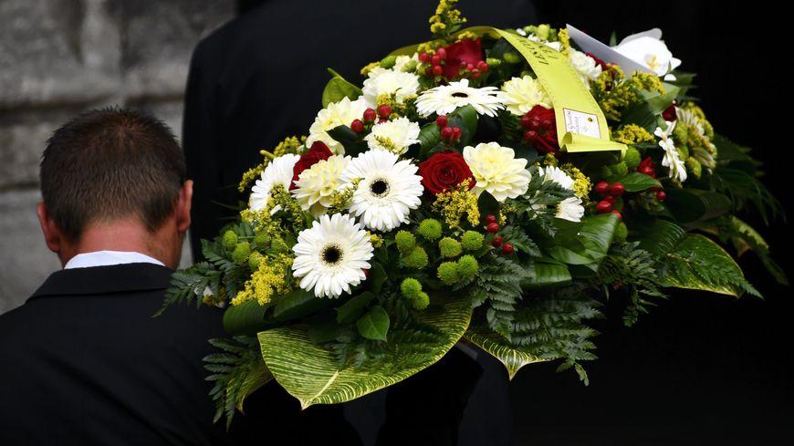 Vidéo Irlande Le Message Posthume Dun Défunt Lors De