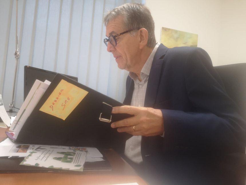 Le maire de Périgny, Guy Denier, a vu le dossier de la pollution s'épaissir.