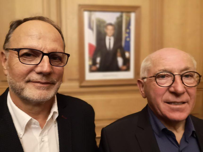 l'adjoint à la sécurité Christian Millet-Barbé (à gauche) et le maire de Bayonne Jean-René Etchegaray (à droite)
