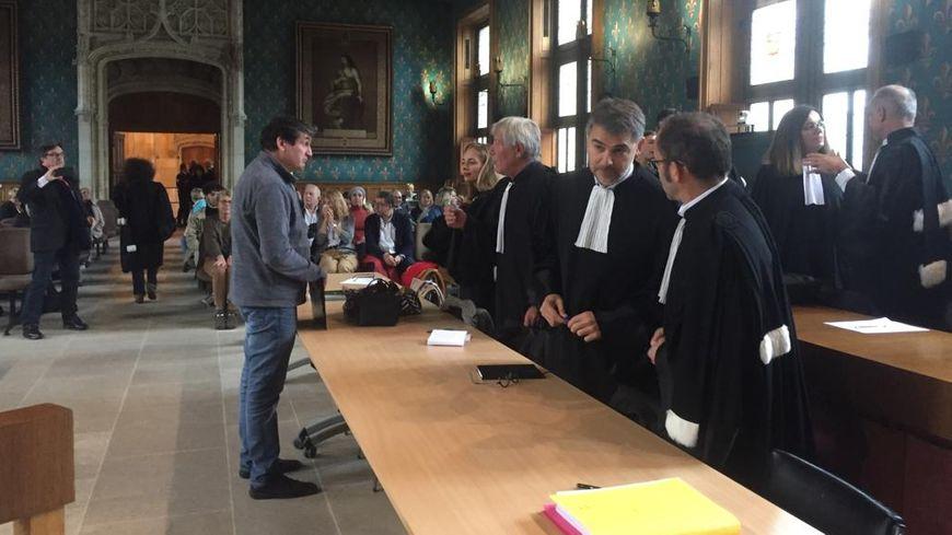 Au palais de justice de Rouen dans l'attente du jugement dans le procès du Cuba Libre. Le père de Mégane Autin, l'une des victimes de l'incendie