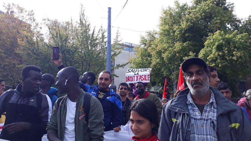 De nombreuses associations, dont la Ligue des Droits de l'Homme, avaient appelé à soutenir le militant pro-migrant