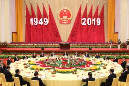 Réception à Pékin, présidée par Xi Jinping, en l'honneur du 70ème anniversaire de la proclamation de la République populaire de Chine par Mao Zedong.