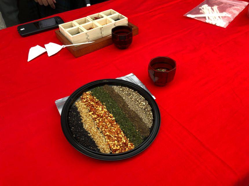 La délégation japonaise en a profité pour présenter une partie des épices qu'elle produit
