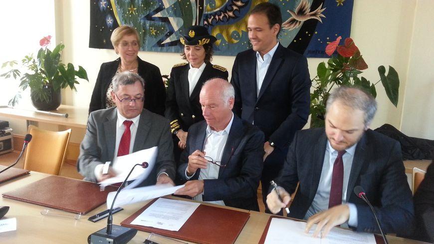 Un protocole a été signée en mairie de Vierzon pour l'ouverture en janvier prochain d'une antenne du CNAM. Elle proposera des formations en numérique notamment.