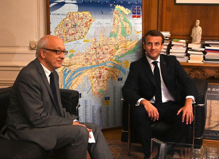 Entretien entre le maire de Rouen Yvon Robert et Emmanuel Macron