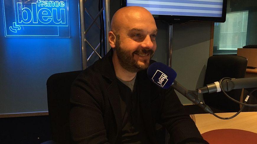 Frédéric Brasiles dans les locaux de France Bleu (illustration)
