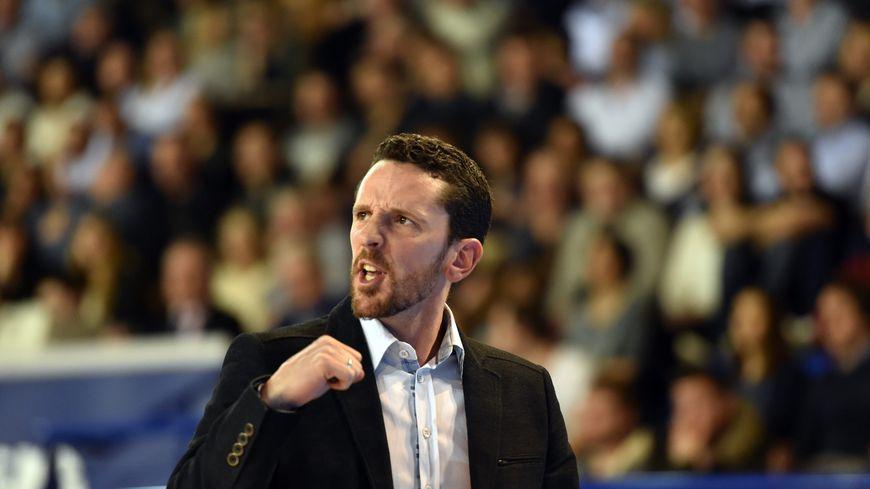 Jusque là assistant coach, Maxime Boire prend la suite de Laurent Pluvy.