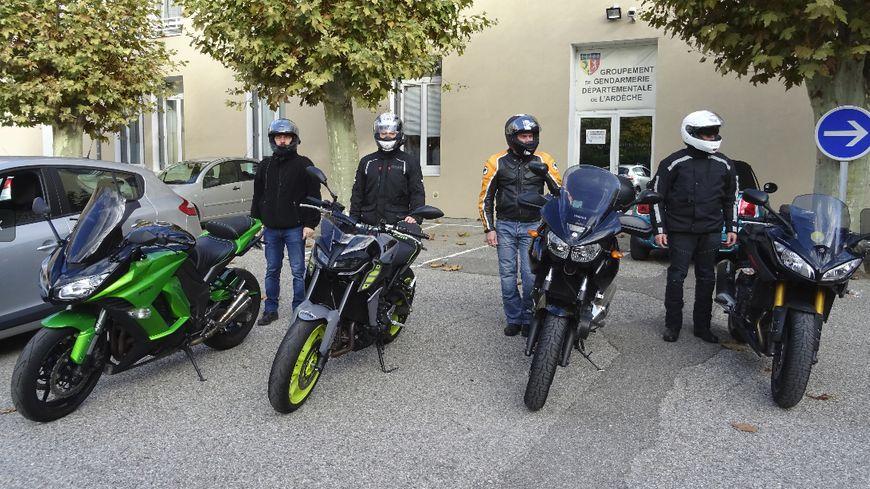 La gendarmerie a acquis 4 motos et 3 voitures banalisées
