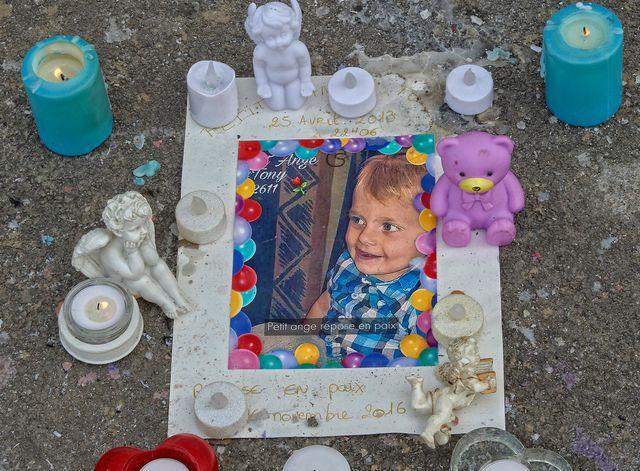 Tony, 3 ans, décédé le 28 Novembre 2016, victime des coups répétés portes par son beau père ultra violent, à Reims