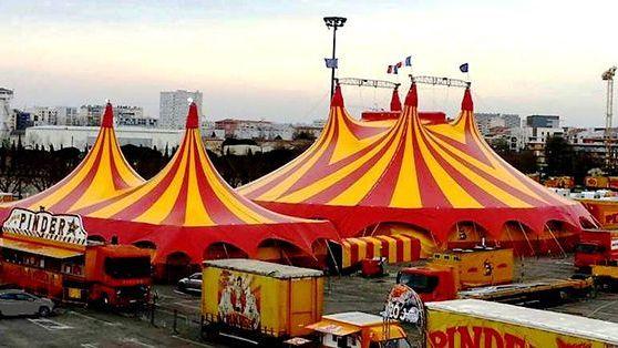 Chapiteau du cirque Pinder à Tours