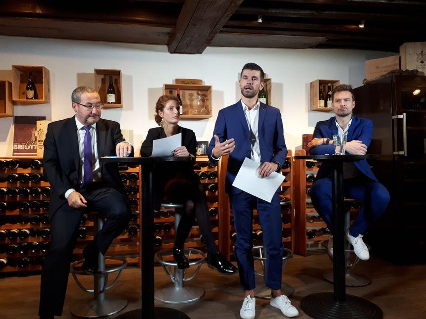 De gauche à droite : Franck Ayache, chef de file UDI, Fanny Chenu, secrétaire général de Pour Dijon, Sylvain Comparot, tête de liste et Charles Rozoy chef de file LREM à Dijon