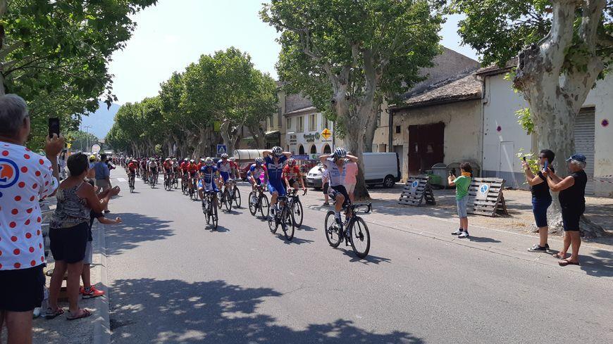 L'an dernier les coureurs n'avaient fait qu'un passage dans le Sud Drôme, ici à Buis-les-Baronnies