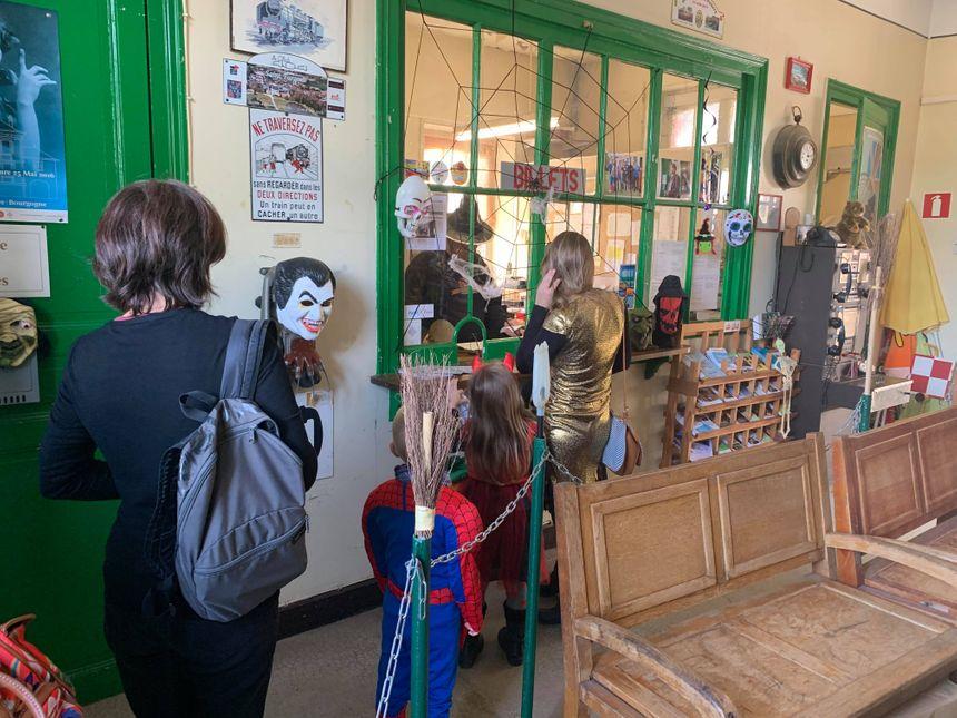 Les Icaunais sont venus nombreux ce samedi 26 octobre pour le train Halloween.