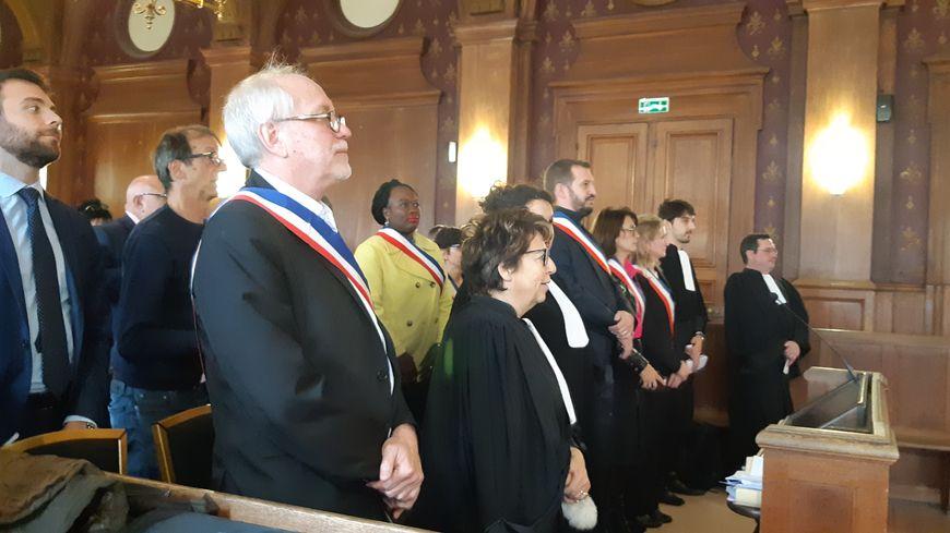 Tribunal administratif de Melun.18.1019