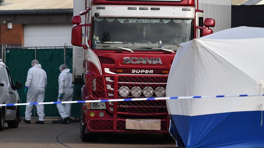 La police a fait la macabre découverte dans la nuit de mardi à mercredi.