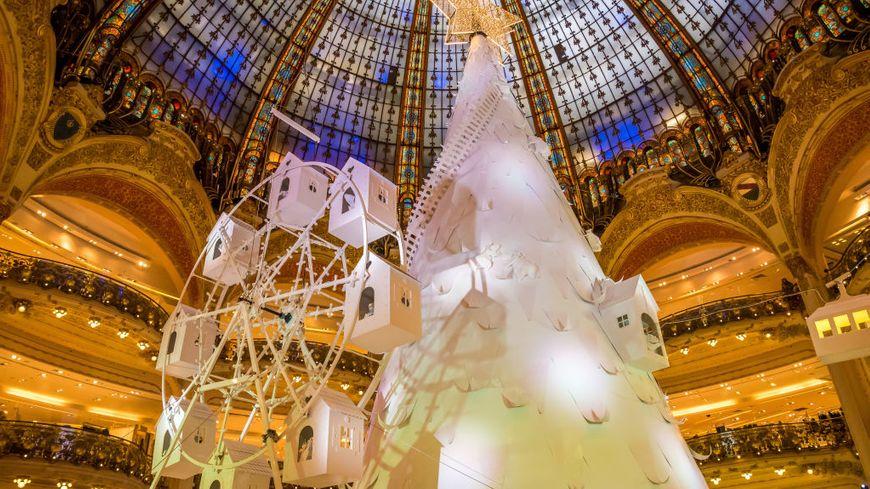 La structure du sapin des Galeries Lafayette à Paris est signée ADS Design !