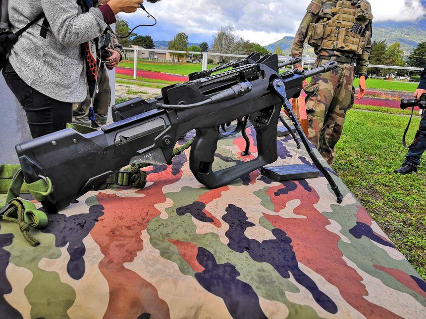 Le 13ème bataillon de chasseurs alpins de Barby-Chambéry est l'une des premières unités de l'armée française à recevoir les fusils d'assaut HK-416F 860_71327035_377286693174077_3966027781002756096_n