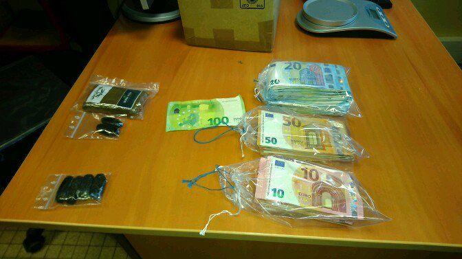 Les gendarmes ont trouvé 6.000 euros en liquide.