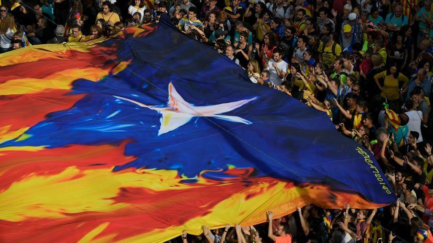 Au moins un demi-million d'indépendantistes ont manifesté à Barcelone vendredi