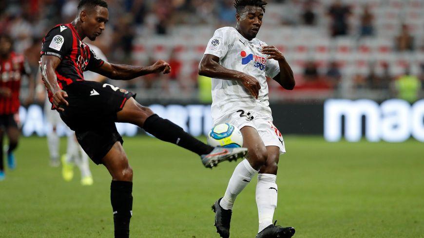 Après un mois et demi d'absence, Christophe Hérelle fait son retour dans le groupe de l'OGC Nice pour la réception du PSG