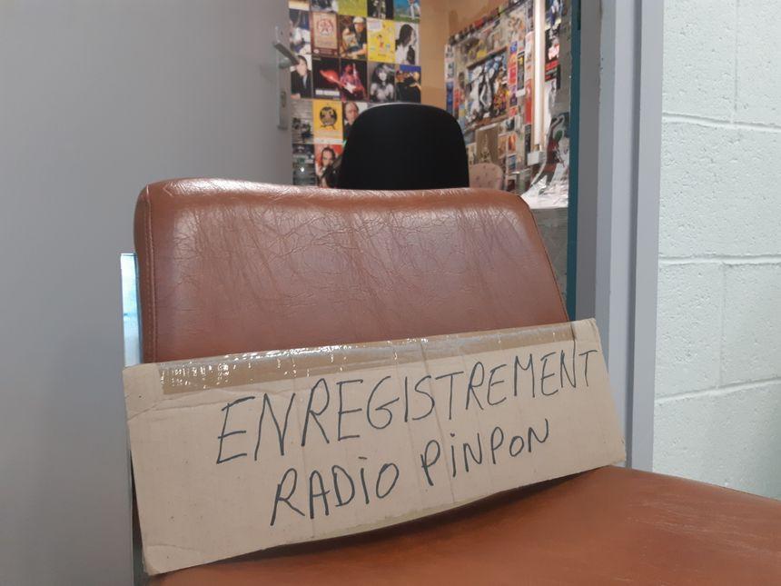 Le studio de Radio Pinpon est installé dans un ancien débarras