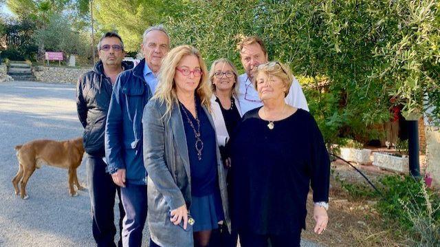 """Tous unis derrière Martine Cancel, mère, belle-mère et grand-mère """"courage""""."""