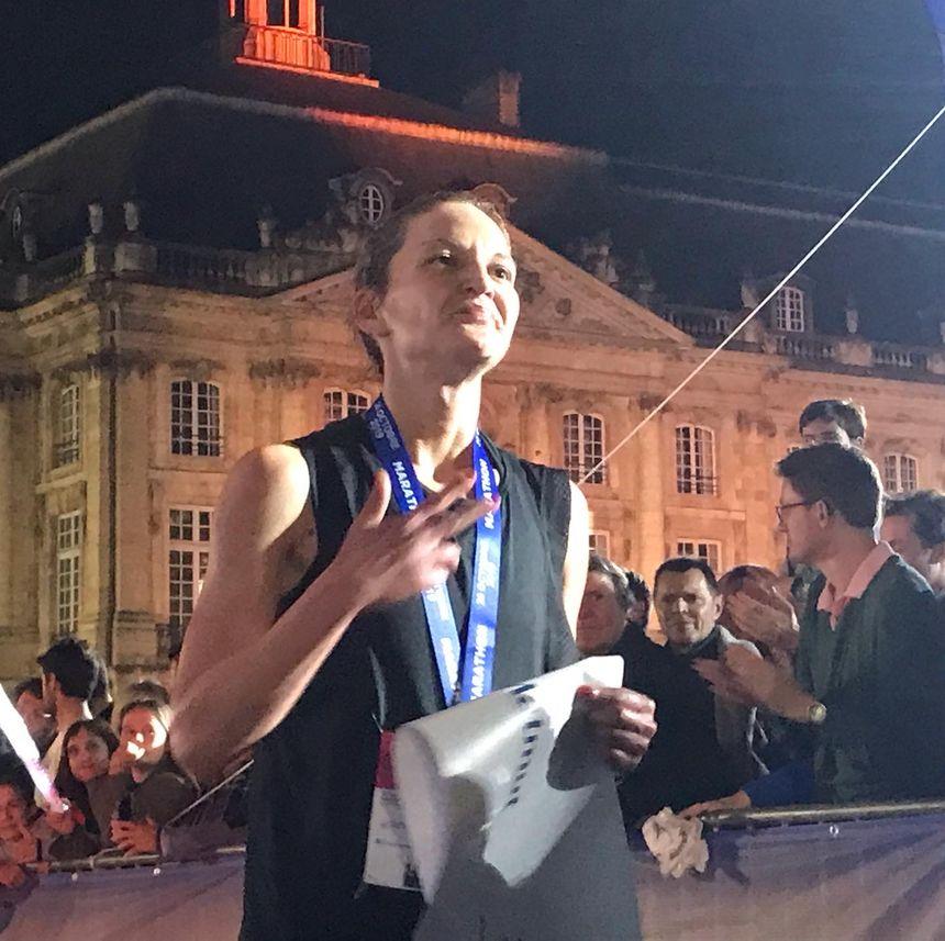 Sur le marathon féminin, Biljana Bursac s'impose en 3h08'27.