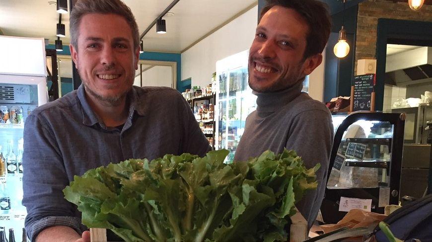 Loïc et Richard ont fondé et dirigent Greenville Boutique Epicerie Restaurant Coffee Shop Bio à Limoges.