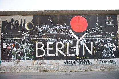 Graffiti sur le mur de Berlin