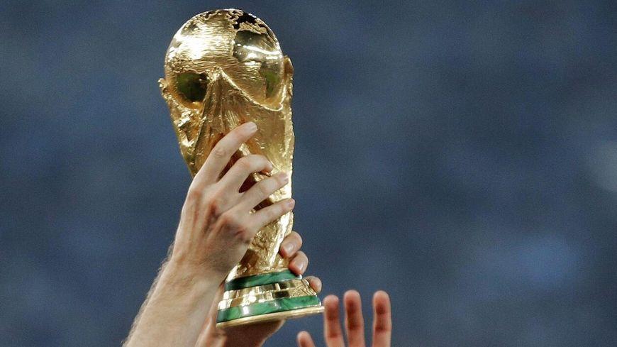 Le trophée de la Coupe du Monde arrive à Langon