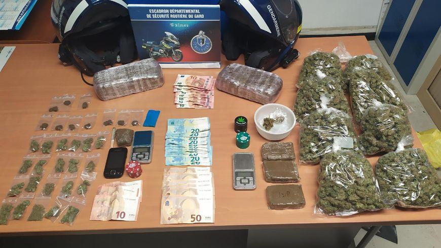 Saisie de drogue par les gendarmes de l'Escadron départemental de sécurité routière (EDSR) du Gard.