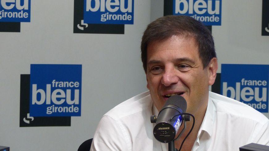 Florian Grill, candidat à la présidence de la Fédération Française de Rugby, en tournée en Gironde