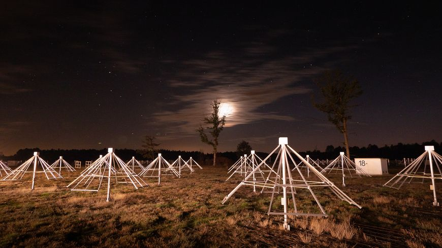 1100 nouvelles antennes pointent désormais leur faisceau vers le cosmos depuis Nançay (Cher)