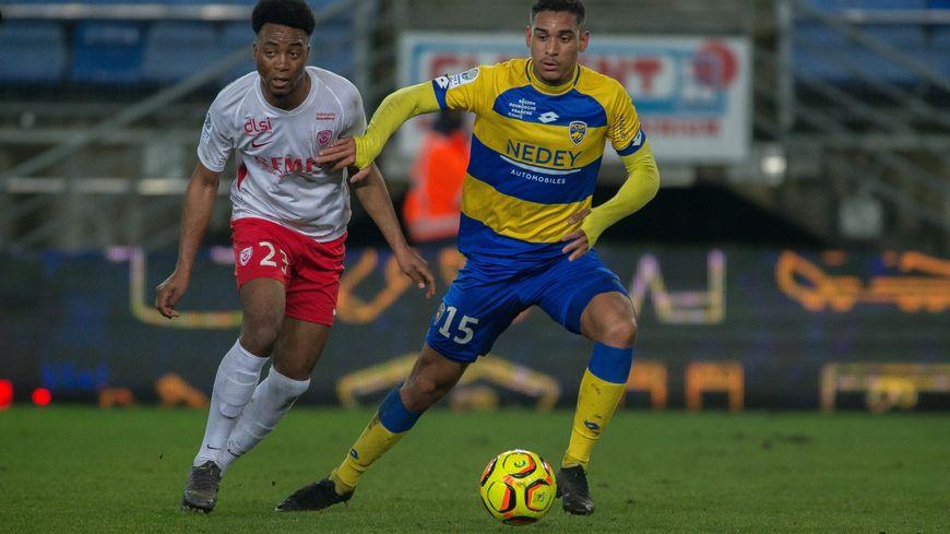 Le jeune défenseur Maxence Lacroix est l'un des symboles du renouveau sochalien cette saison