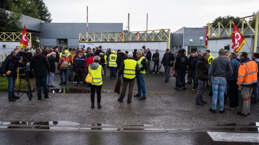 Débrayage P3G Industries (ex Parisot), au moment où la direction annonce en CSE un plan de 127 licenciements sur un effectif de 470 salariés
